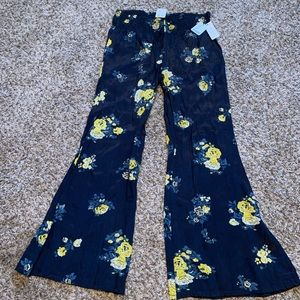 NWT. Free People wide leg pants - Small